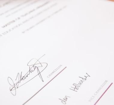 Cómo obtener una certificación de traductor en Quito y Ecuador
